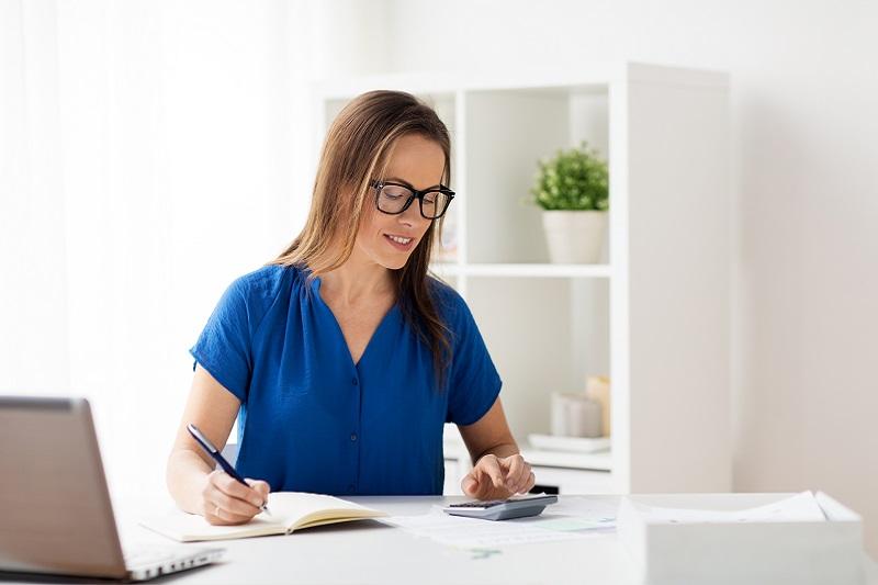 Jak wybrać biuro księgowe? Czy do małej firmy potrzebna jest zewnętrzna księgowość?