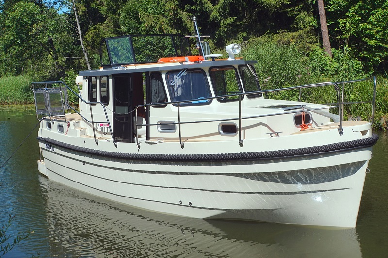 Housboat – ekskluzywna mieszkalna łódka z laminatu.