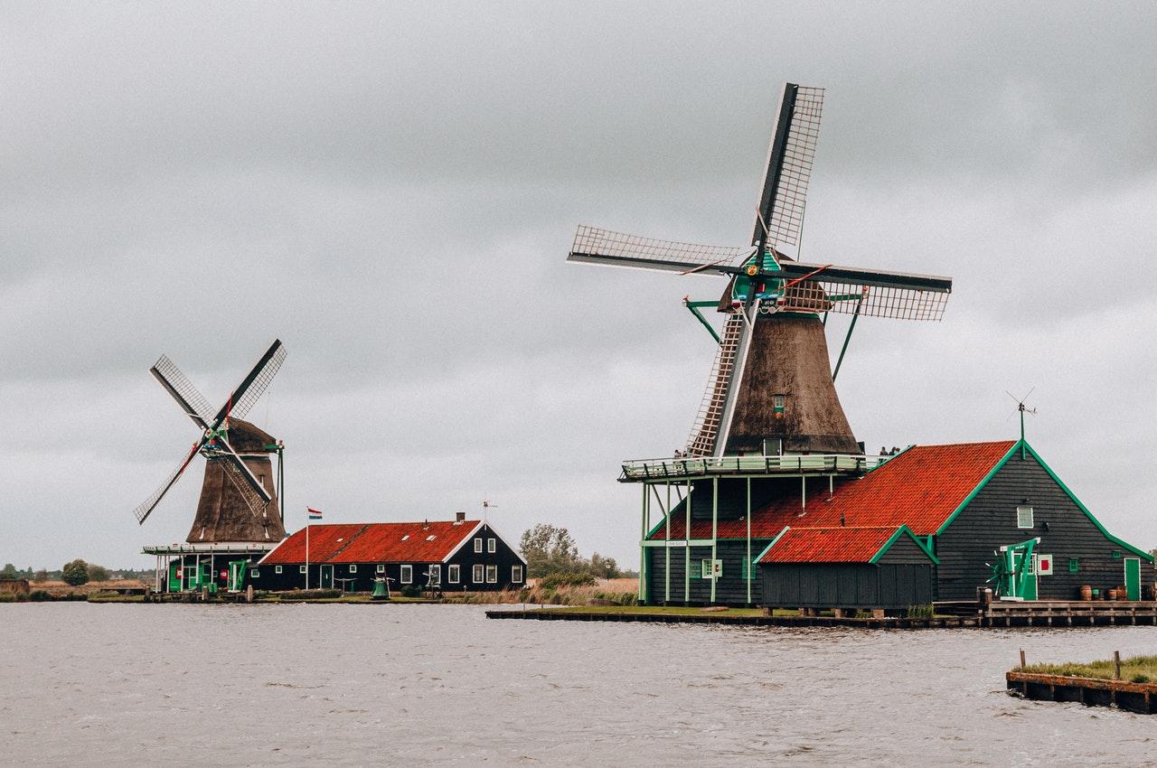 Zwrot podatku z Holandii – postaw na profesjonalne wsparcie