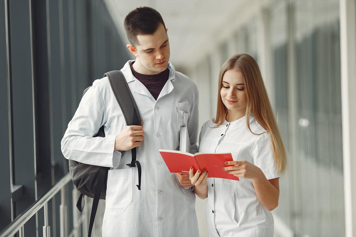 Kursy dla stomatologów – zdobądź przydatną wiedzę