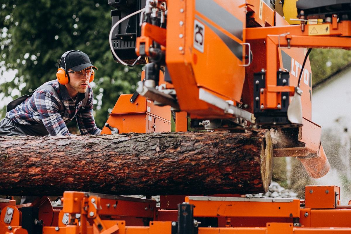 Maszyny do obróbki drewna, tworzyw i metalu od W.Holztechnik