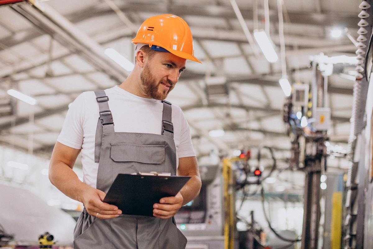 Odzież ochronna dla pracowników – kiedy jest konieczna?